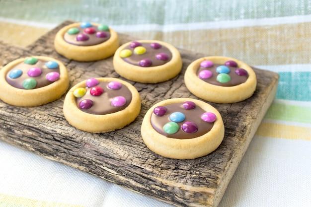 Glassa di biscotti colorati