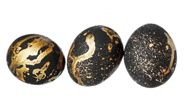 Uovo di pasqua colorato isolato