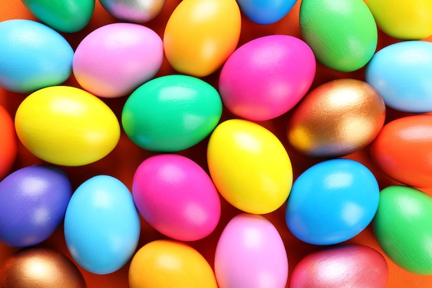 Primo piano variopinto delle uova di pasqua
