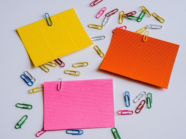 Adesivi colorati