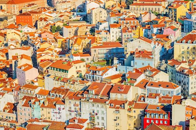 Vista dall'alto colorato su lisbona, portogallo.