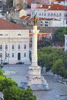 La colonna di pedro iv situata a lisbona in portogallo