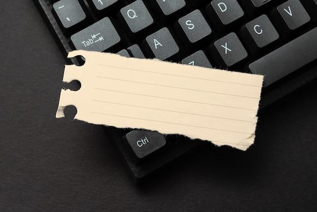 Composizione di un nuovo messaggio di posta elettronica, ricerca di informazioni su internet, digitazione di nuove idee, ricerca di concetti per i compiti a casa, chat, attività di navigazione, apprendimento di cose nuove