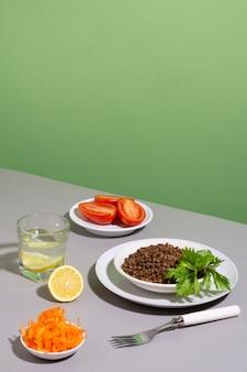 Composizione di deliziosi cibi sani
