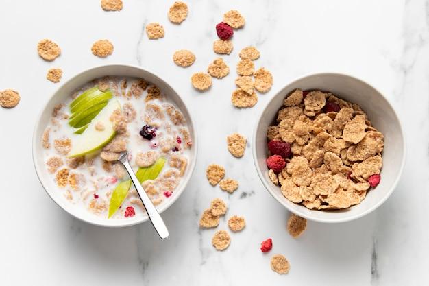 Composizione di cereali sani ciotola