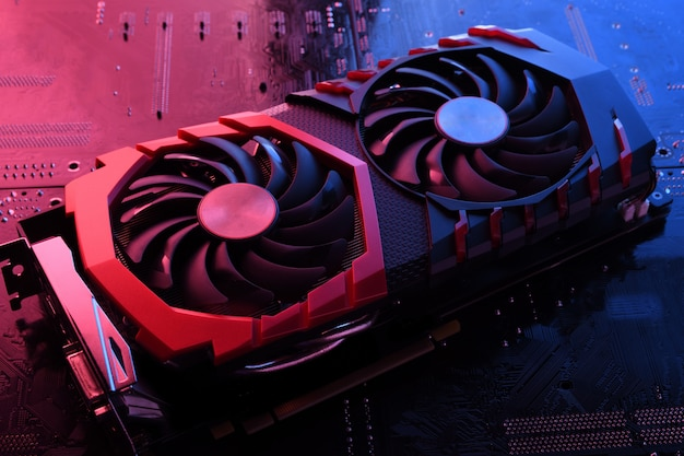 Scheda grafica del gioco per computer, scheda video con due dispositivi di raffreddamento sul circuito stampato