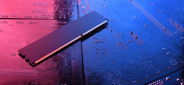 Memoria ram del computer sulla scheda madre del circuito