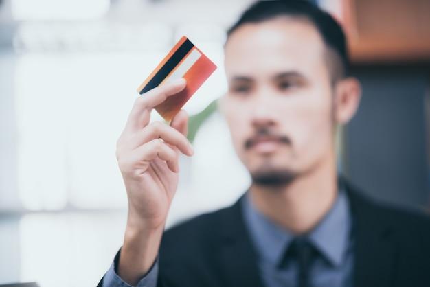 Concetto di carta di credito per le imprese