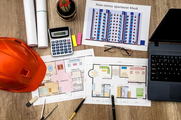 Concept, disegno, quaderno, architettura, casco in tavola