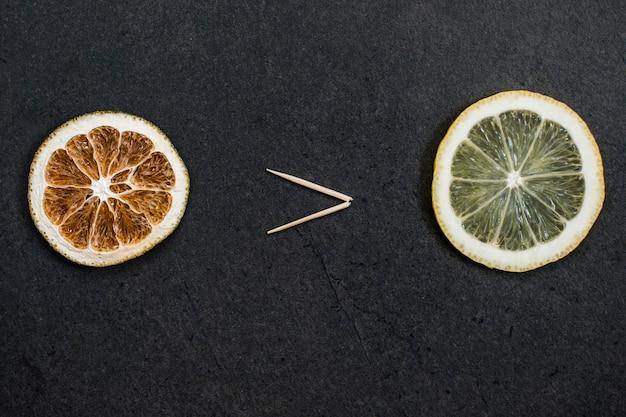 Concetto di stile di vita sano. la frutta secca è più sana di quella fresca.