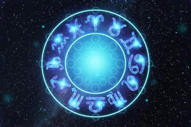 Il concetto dell'oroscopo, cerchio con i segni dello zodiaco sullo sfondo del cielo stellato, astrologia. consultazione con le stelle.