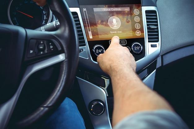 Concetto di cruscotto di automobile moderna. Foto Premium