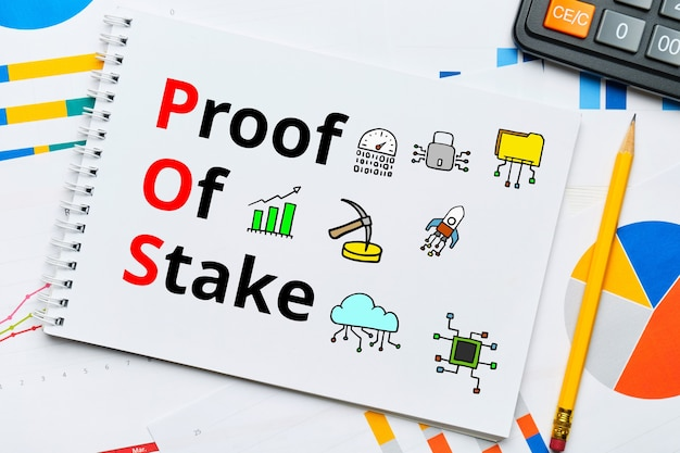 Concept pos e proof of stake con icone astratte.