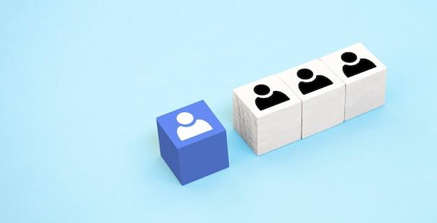 Concetto di reclutamento, assunzione, promozione o team building nel mondo degli affari.