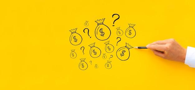 Concetto di avviare un progetto imprenditoriale e hai bisogno di finanziamenti per uno sponsor. credito finanziario e investimenti.