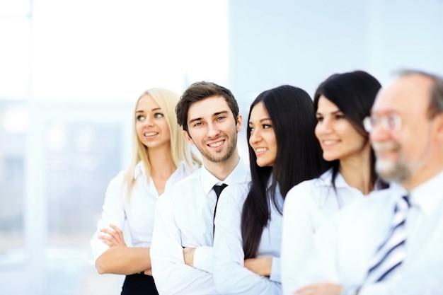 La conclusione della transazione. squadra di affari di successo