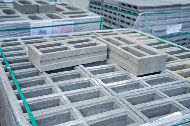 Bolck di cemento per la costruzione nel magazzino.