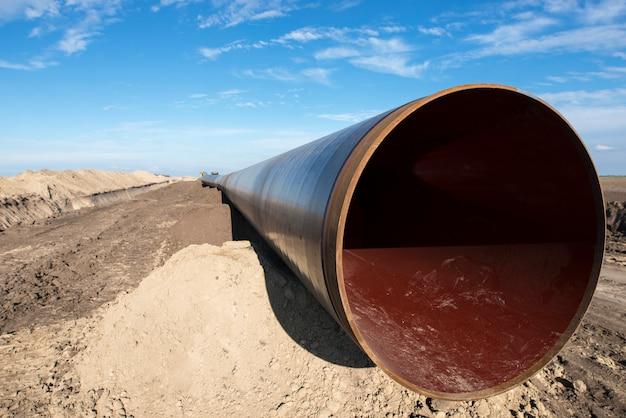 Costruzione del gasdotto.