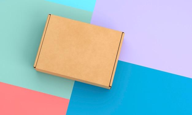Fondo a contrasto e scatola di cartone marrone