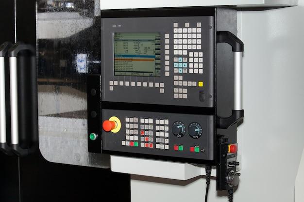 Pannello di controllo della macchina cnc da vicino