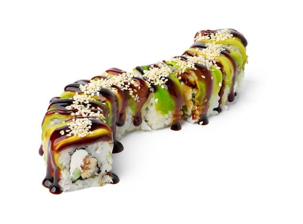 Rotolo di sushi cotto isolato su sfondo bianco