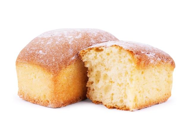Biscotti alla crema isolata su sfondo bianco