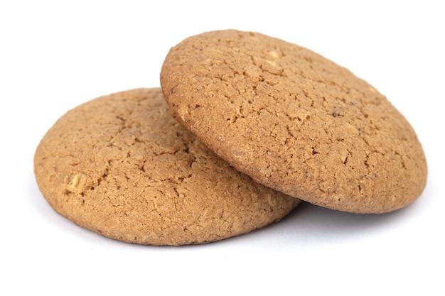 Biscotti isolati su una superficie bianca