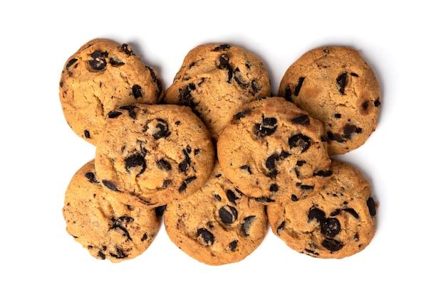 Biscotti con cioccolato isolato su bianco.