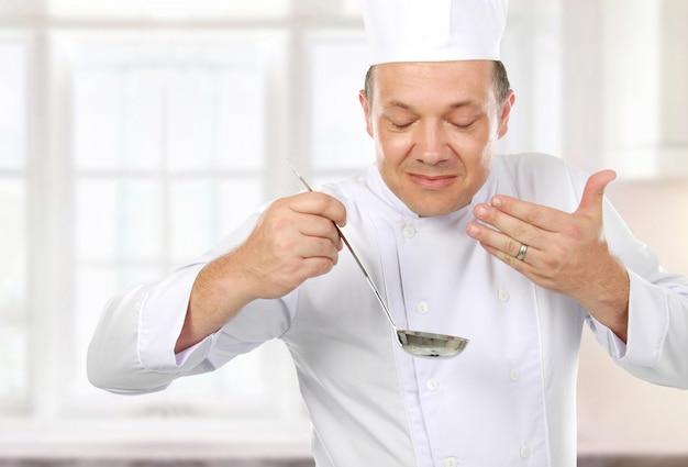 Cucinare cibi deliziosi