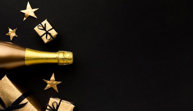 Bottiglia di champagne copia-spazio