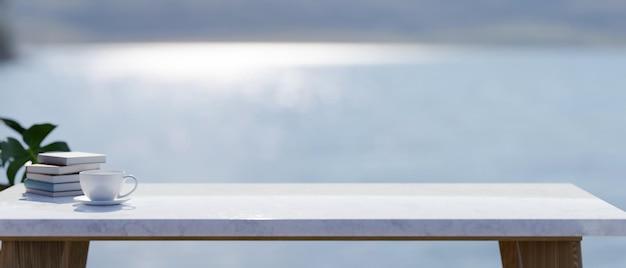 Copia spazio sul piano del tavolo in pietra di marmo sfocato paesaggio del lago sullo sfondo 3d rendering