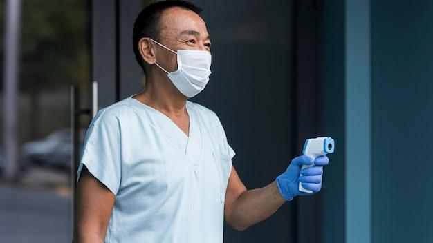 Procedura di campionamento del coronavirus