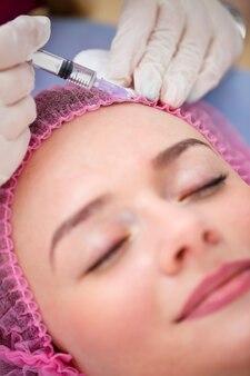 Concetto di cosmetologia. tendenze attuali nelle procedure cosmetiche. iniezioni di bellezza