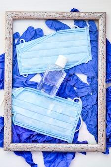 Covid19 rifiuti medici in cornice concept creativo smaltimento di guanti mascherine