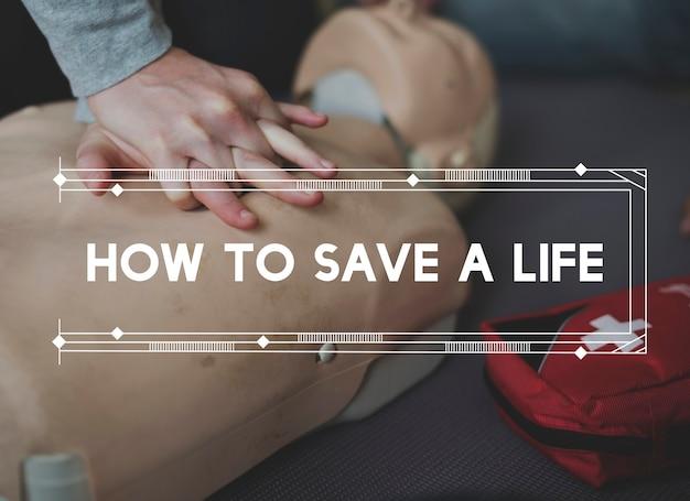 Corso dimostrativo di addestramento cpr salvataggio di emergenza di emergenza