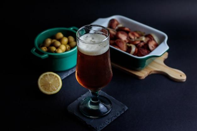 Birra artigianale con contorni