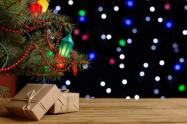 Regali artigianali sotto l'albero