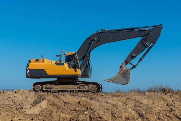 Escavatore cingolato per macchine edili