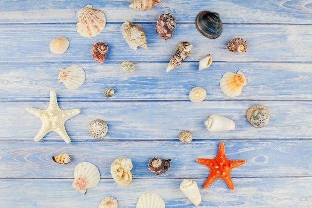 Piatto creativo laici concetto di vacanze estive di viaggio.