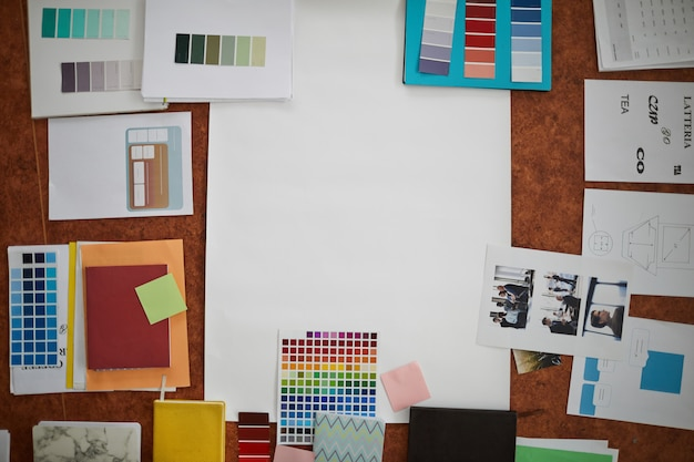 Luogo di lavoro e materiale creativi