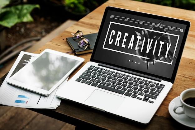 La creatività ispira la parola grafica dell'idea minimalista