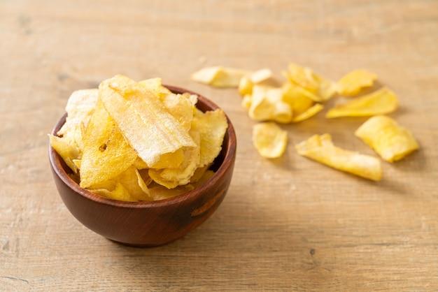 Chips di banana croccanti - banana affettata fritta o al forno