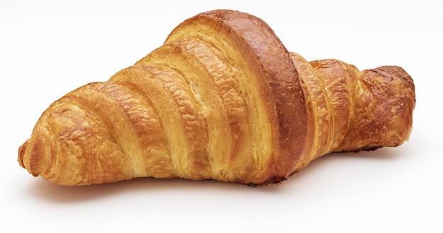 Croissant croccante al burro fresco. isolato su sfondo bianco.