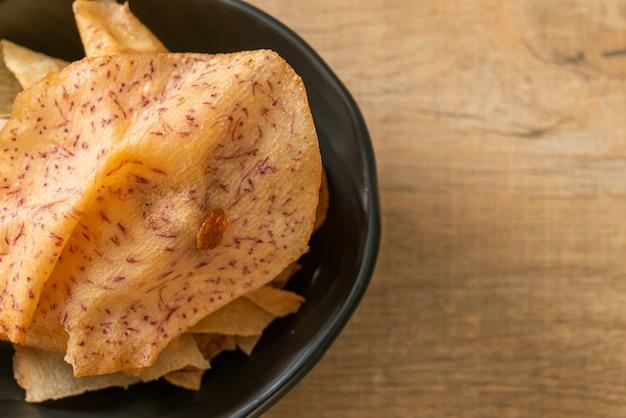 Chips di taro croccanti - taro a fette fritto o al forno