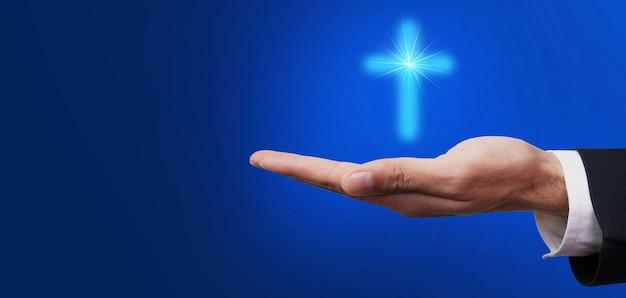 Croce nel concetto di mano