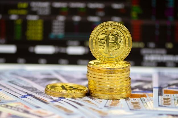 Criptovaluta, litecoin (ltc) e dollari usa sulla fine della tavola su mercato di soldi e concetto di affari.