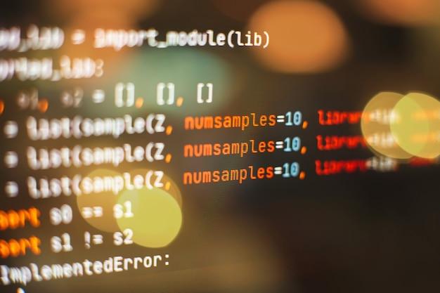Utilizzo di css, javascript e html. monitorare il primo piano del codice sorgente della funzione. priorità bassa astratta di tecnologia dell'it. codice sorgente del software.