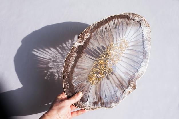 Portabicchieri, vassoio in resina epossidica, taglio pietra in stile marino.