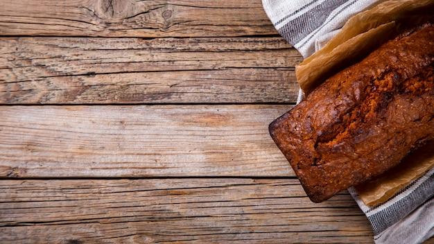 Torta di tortini su legno