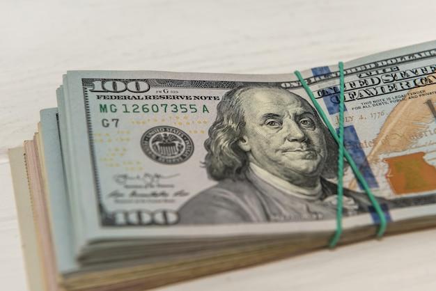 Concetto di finanza denaro valuta